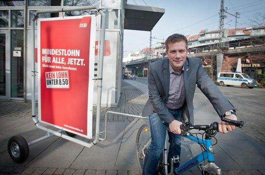 Florian Haggenmiller radelt für den Mindestlohn