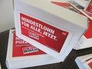 """Box mit Aufschrift """"Mindestlohn"""""""