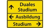Straßenschild mit geradeaus Duales Studium, nach links Studium, nach rechts Ausbildung