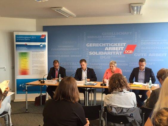 Pressekonferenz - Ausbildungsreport 2015
