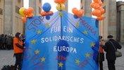 EU Fahne vor Brandenburger Tor