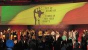 Bühne des Kongresses mit Band