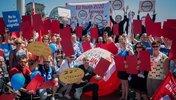Protestgruppe vor Bundestag