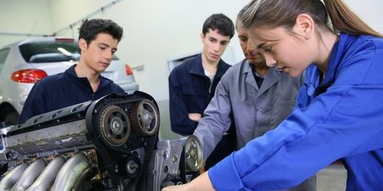 Ausbildung am Motor