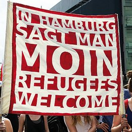 Transparent In Hamburg sagt man Moin Refugees