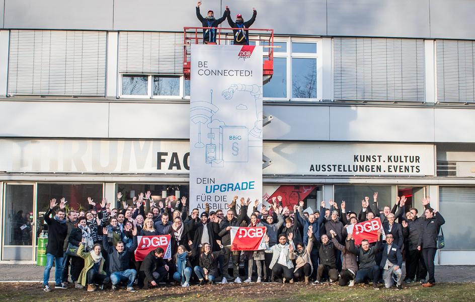 Hebebühne Plakat Gewerkschaftsjugend
