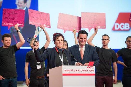 Isabell Senff und Hubertus Heil, Aktion der Gewerkschaftsjugend